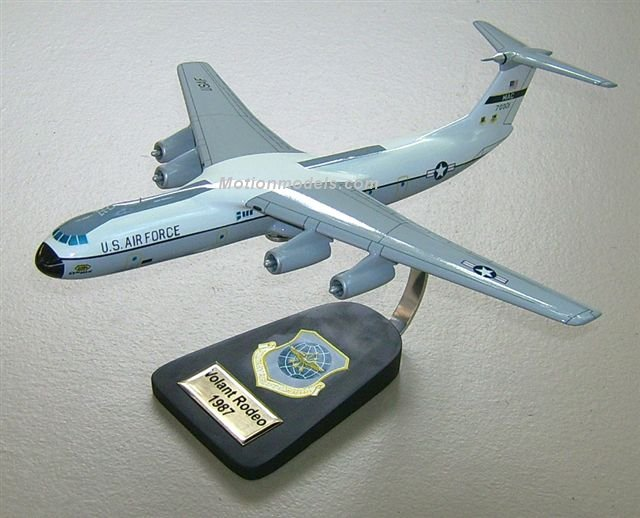 Custom made C-141 Starlifter